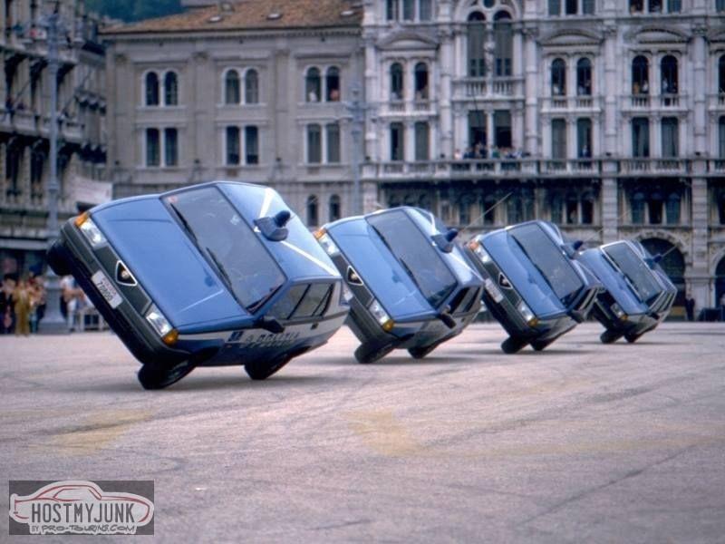 Alfa-Romeo-75-1.jpg